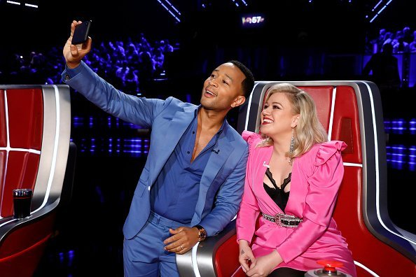 John Legend, Kelly Clarkson on the Voice season 16 | Photo: Getty Images