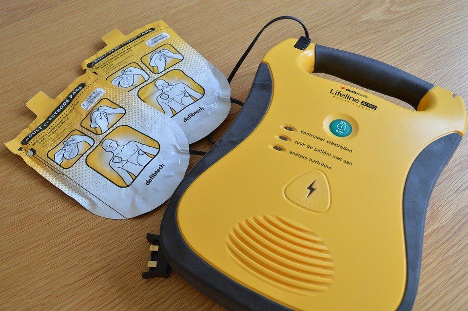 Défibrillateur automatique. | Image : Pixabay