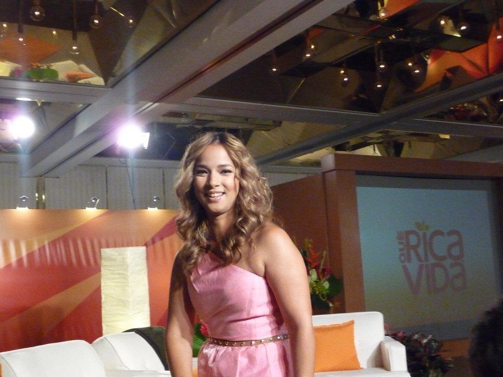 Adamari López en el lanzamiento de Que Rica Vida. | Imagen: Flickr