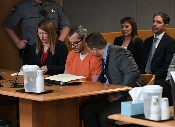 Christopher Watts sits in court for his sentencing hearing at the Weld County Courthouse | Photo: Getty Images