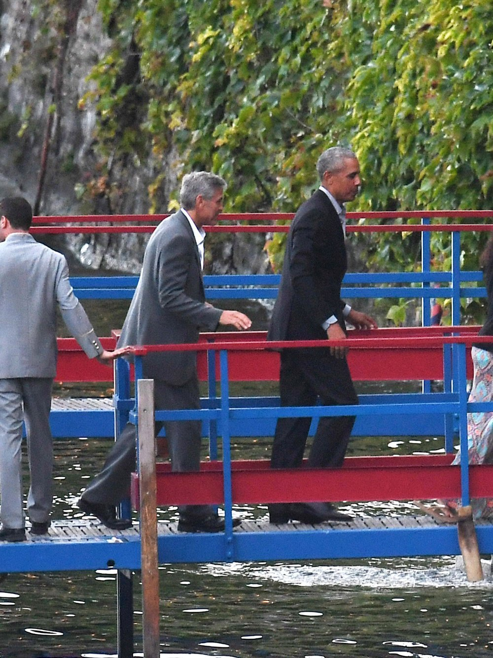 George Clooney and Barack Obama at Lake Como   Photo: Hollywood Life