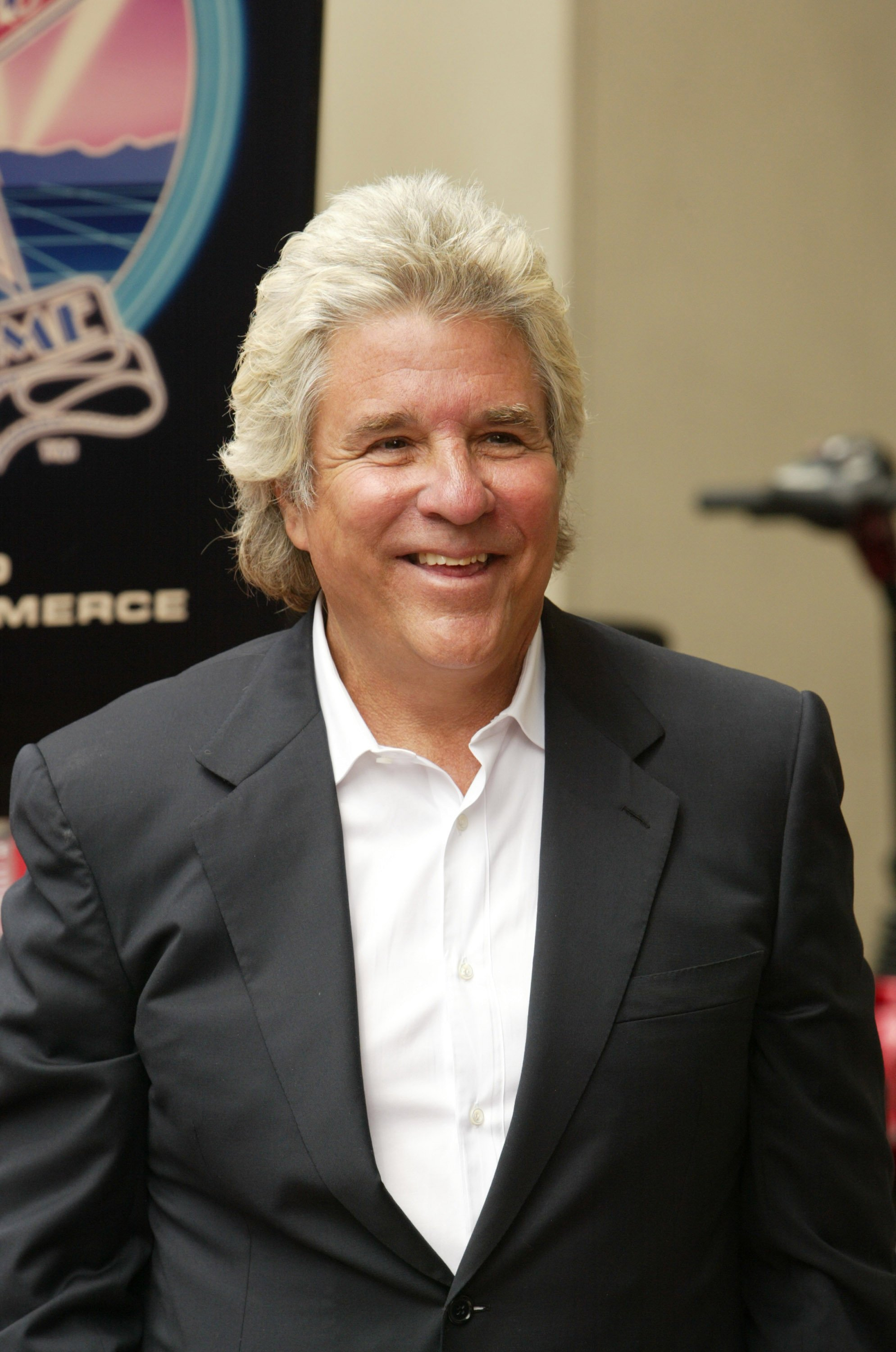 Jon Peters receives his star on the walk of fame in May 2007. | Source: Getty Images.