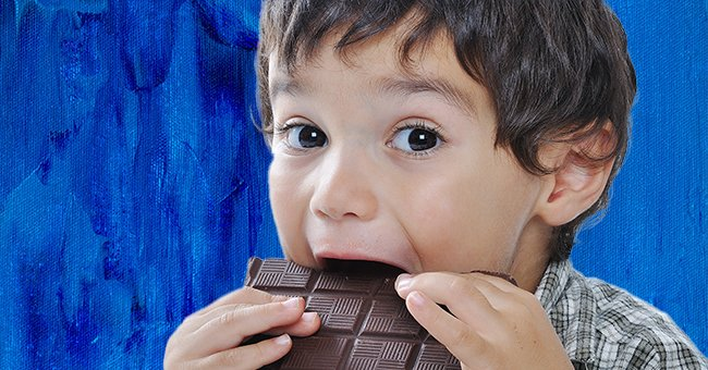 The little boy was obsessed with eating chocolates. | Photo: Shutterstock