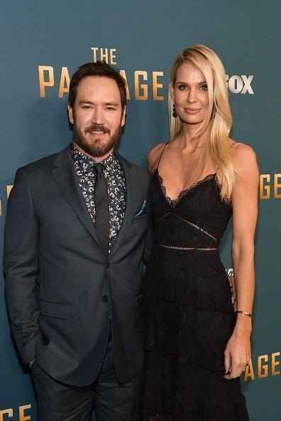 Mark-Paul Gosselaar and Catriona McGinn at The Broad Stage on January 10, 2019 in Santa Monica, California | Photo: Getty Images