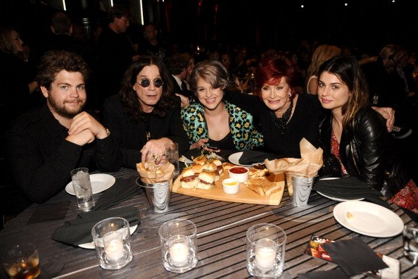 Jack, Ozzy, Kelly, Sharon, and Amy Osbourne at Sony Studios on June 5, 2010 in Los Angeles, California. | Photo: Getty Images