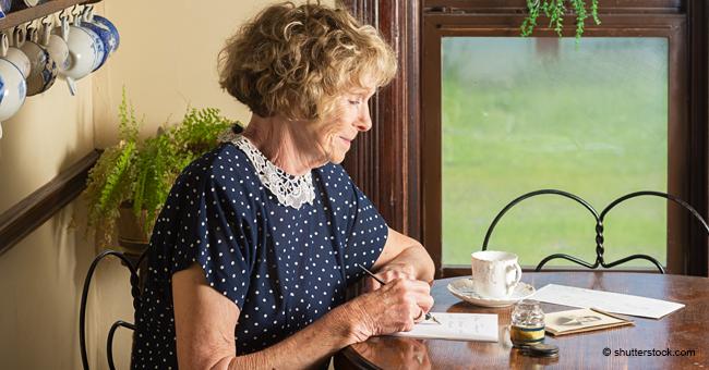 Ältere Mutter schreibt ihrer Tochter einen berührenden Brief über das Älterwerden