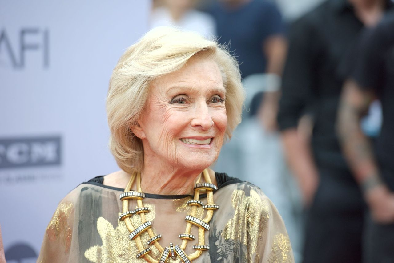 Cloris Leachman at the 44th AFI Life Achievement Awards Gala Tribute to John Williams at Dolby Theatre on June 9, 2016 in Hollywood, California | Photo: Getty Images