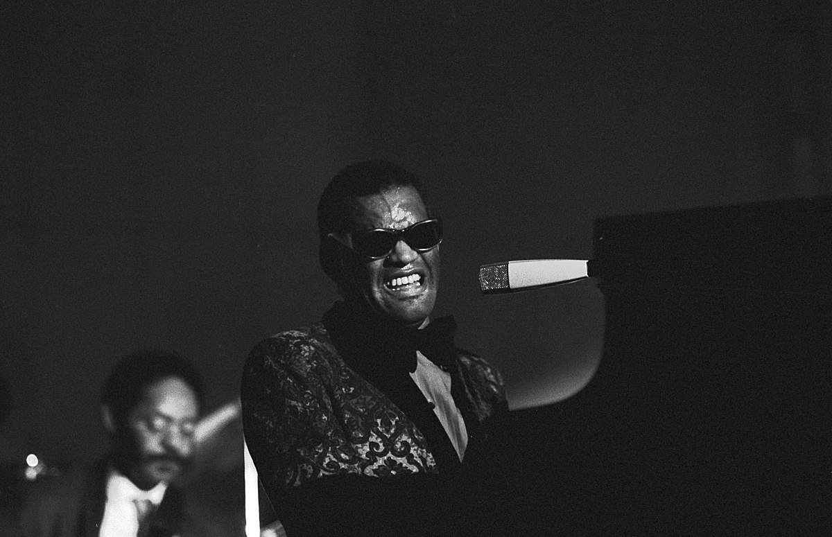 Ray Charles in der Hamburger Musikhalle, September 1971. | Source: Wikimedia Commons Images