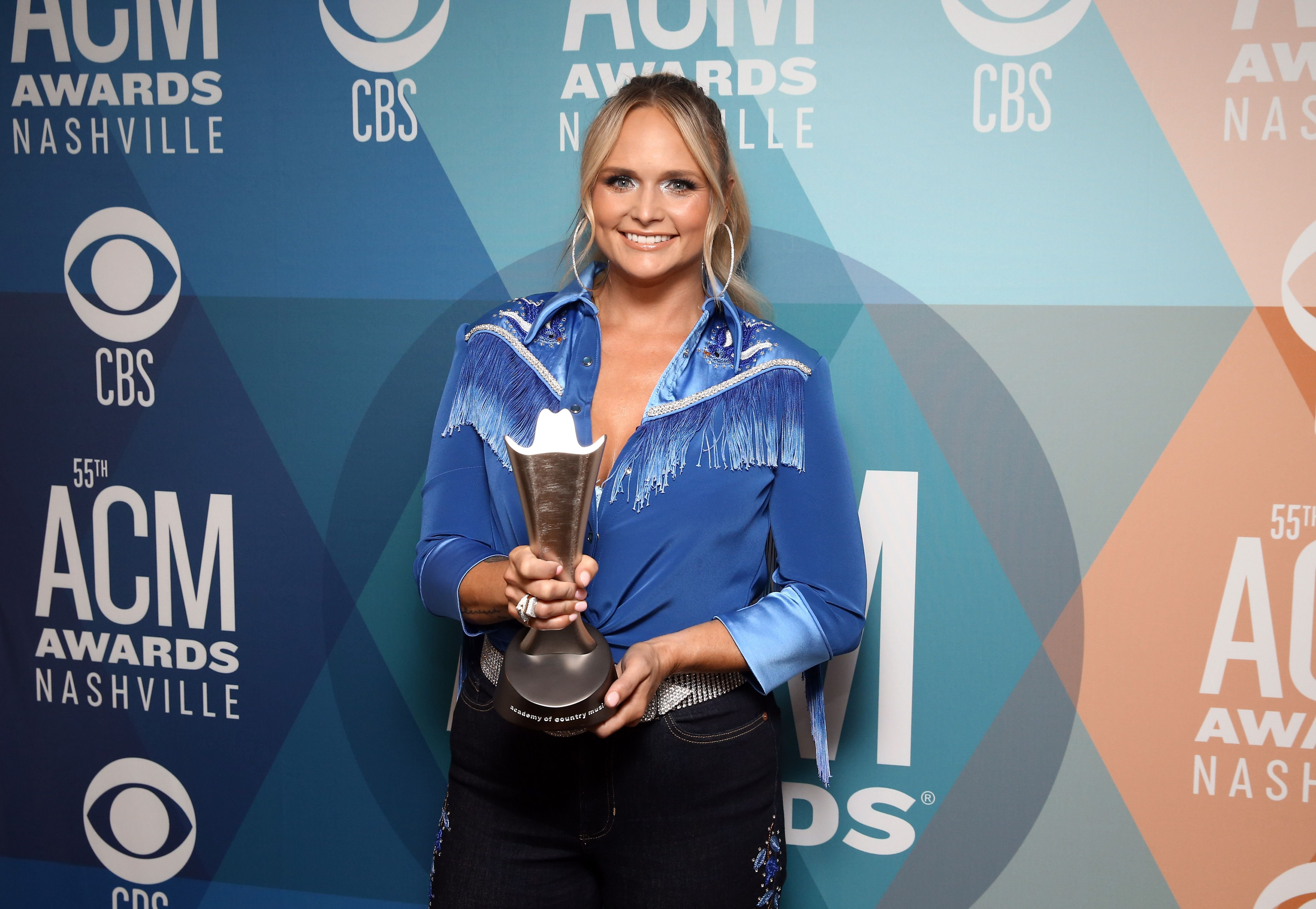 """Miranda Lambert posed with the Musical Event of the Year award for """"Fooled Around And Fell In Love"""" at the 55th Academy of Country Music Awards at the Bluebird Cafe on September 16, 2020 