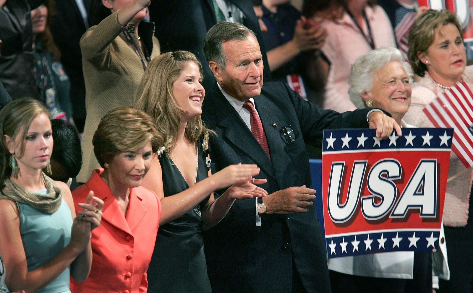 U.S. President George W. Bush's and his family on the final night of the Republican National Convention September 2, 2004 | Photo: Getty Images