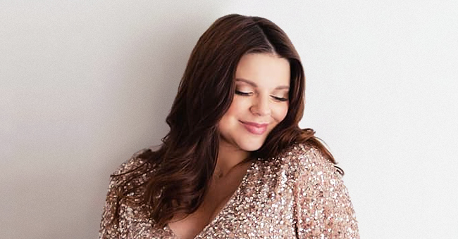 '19 Kids and Counting' Star Amy Duggar King Shows off Her Bump in Beige Maxi Dress in Photos for Her 33rd Birthday