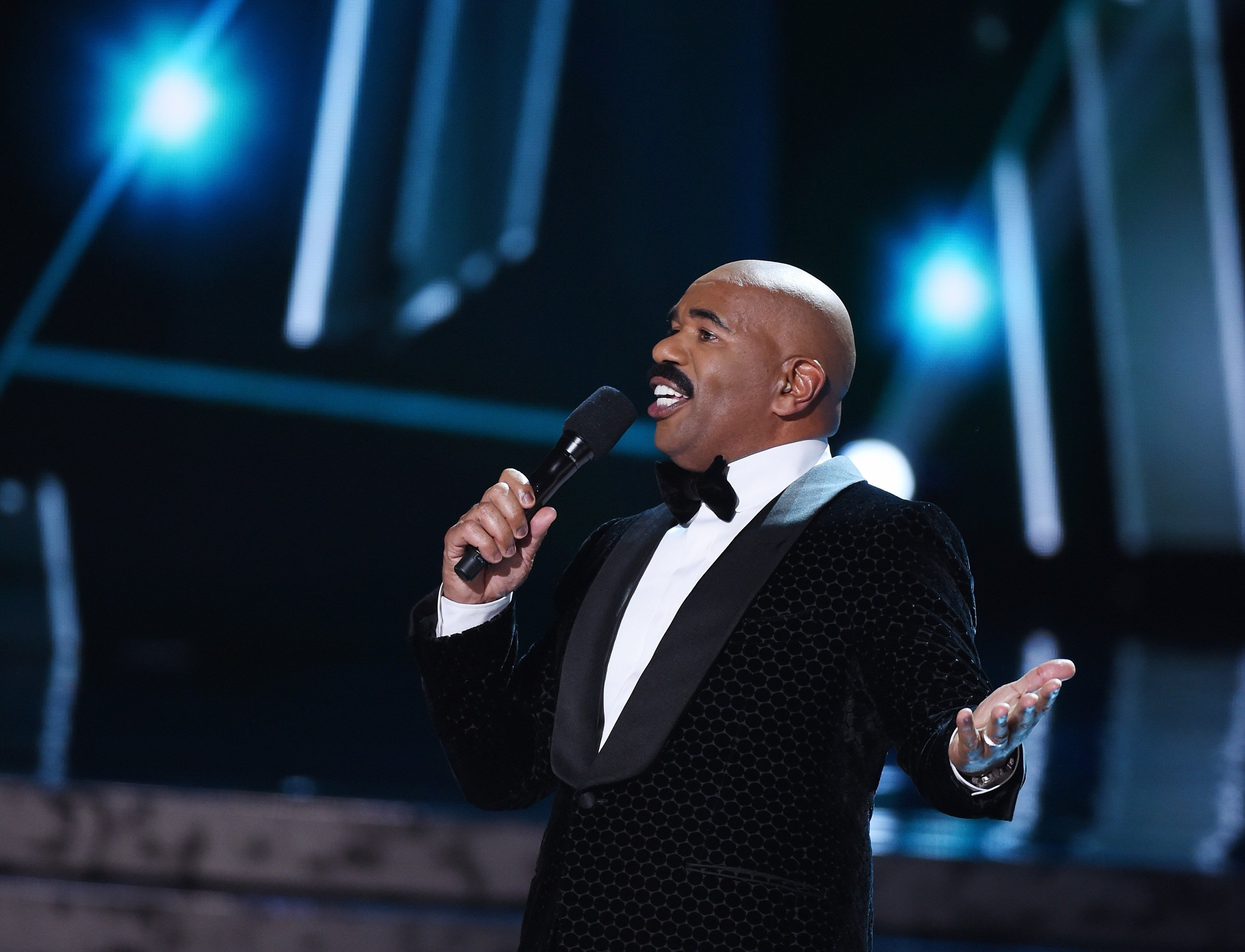 Steve Harvey hosts the 2015 Miss Universe Pageant on December 20, 2015 in Las Vegas, Nevada. | Photo: GettyImages/Global Images of Ukraine