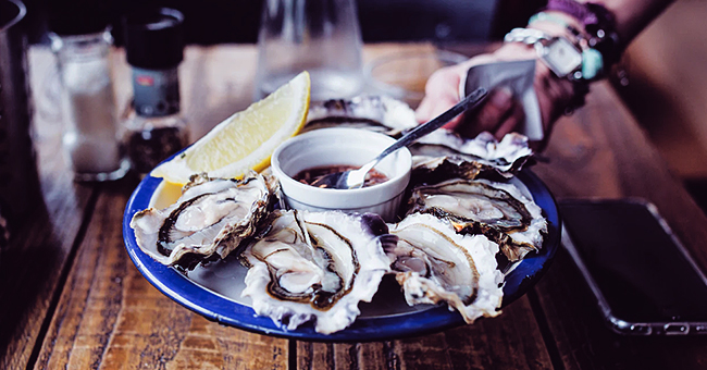 Daily Joke: Customer at a Waterfront Restaurant Complains That Oysters Are Small and Not Fresh