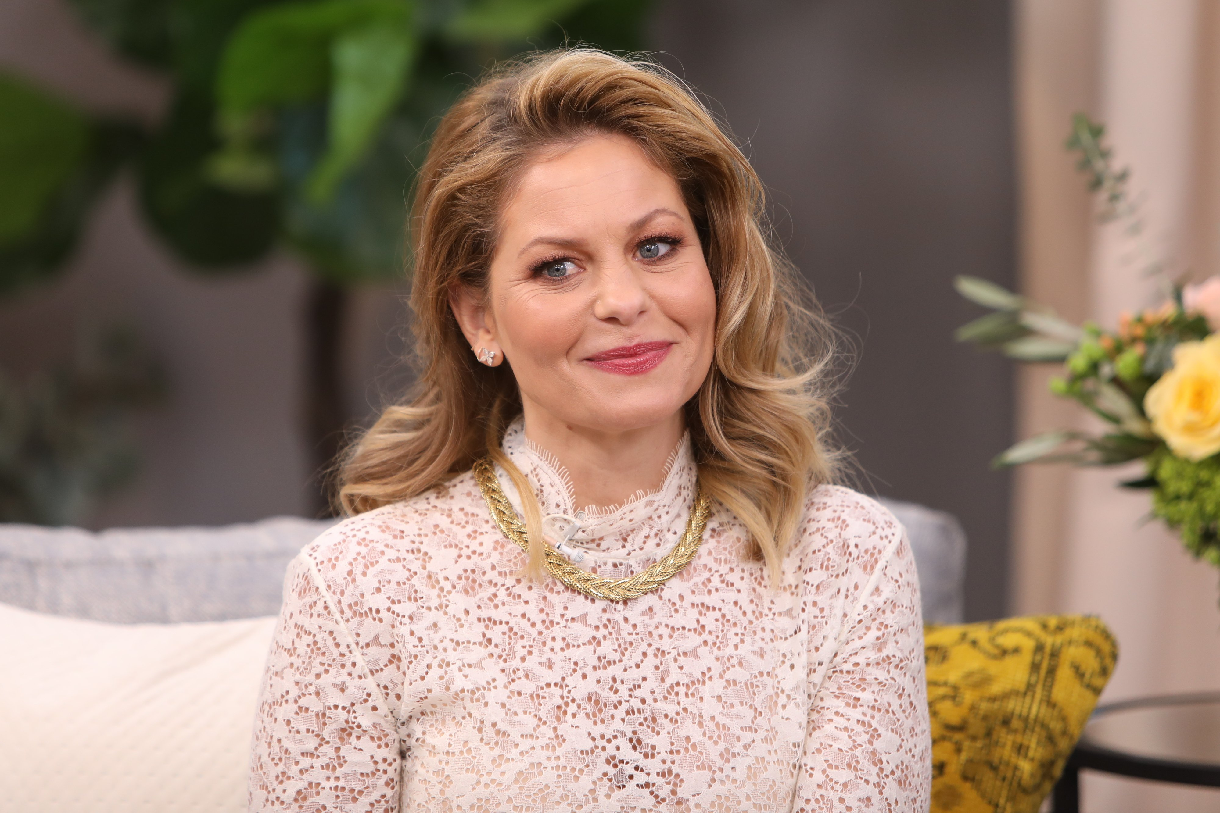 """Candace Cameron Bure visiting """"Home & Family"""" at Universal Studios. Source 