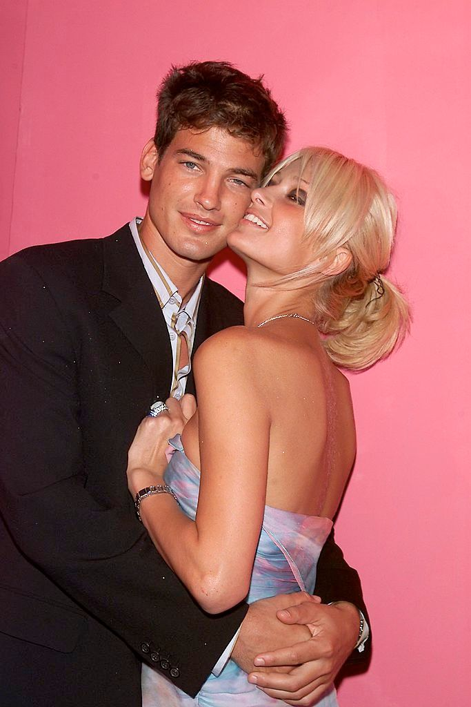 Paris Hilton with Jason Shaw at the Ungaro 35th anniversary fashion party extravaganza in New York City on September 5, 2001 | Photo: Evan Agostini/ImageDirect/Getty Images