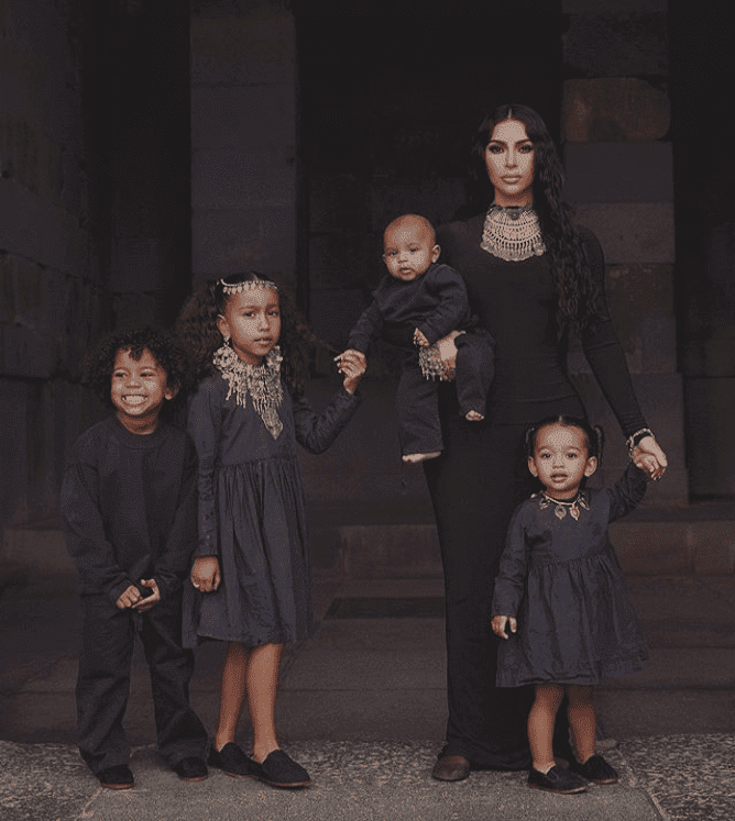 Screenshot photo of Kim Kardashian and her children (L-R) Saint, North, Psalm, and Chicago | Photo: Instagram/@kimkardashian