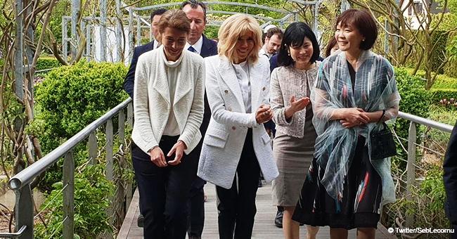 Brigitte Macron émerveille avec sa tenue noir et blanc à Giverny