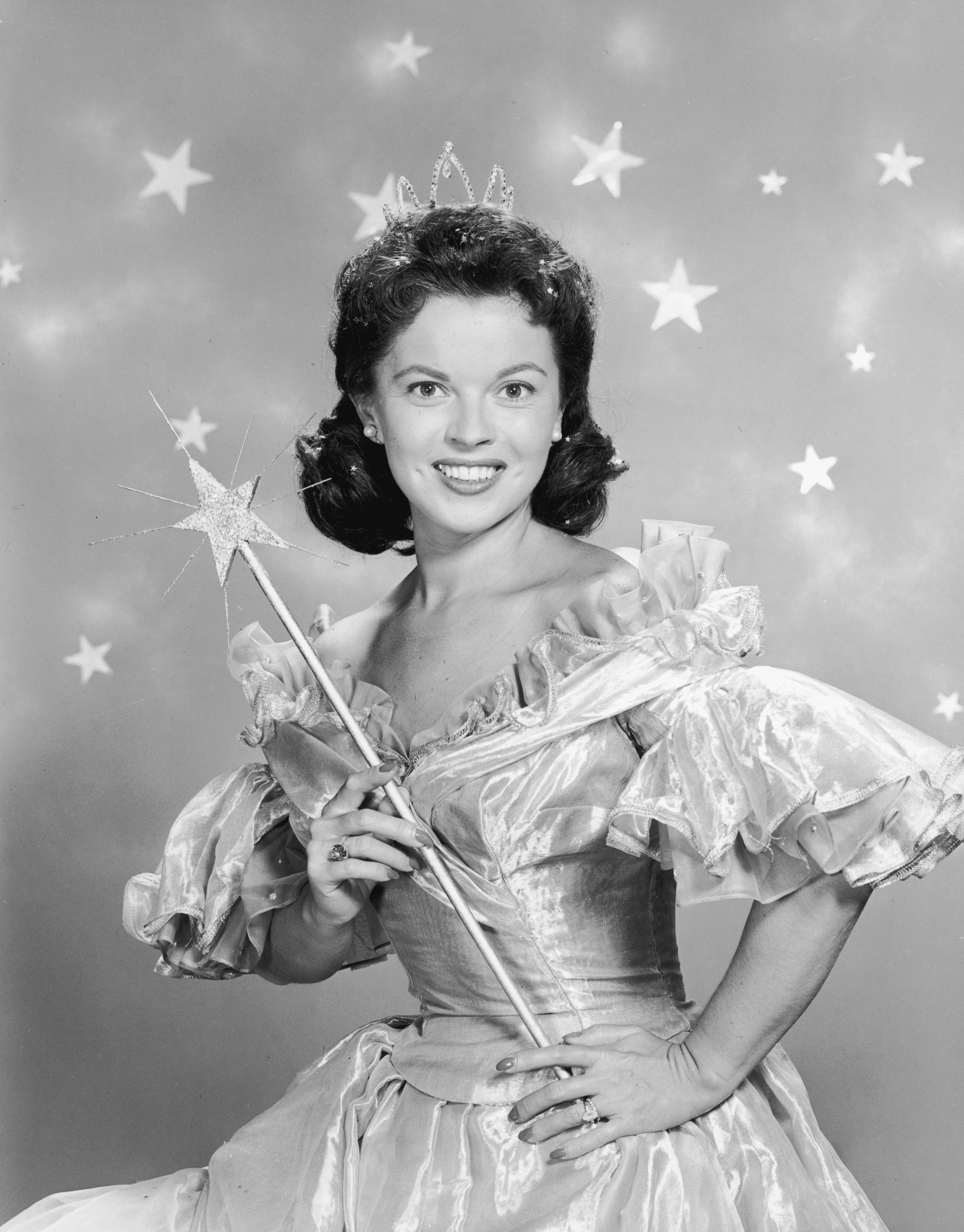 Shirley Temple wears a fairy godmother costum in a promotional portrait for her television series of dramatized fairy tales, 'Shirley Temple's Storybook' in 1958. | Source: Getty Images.