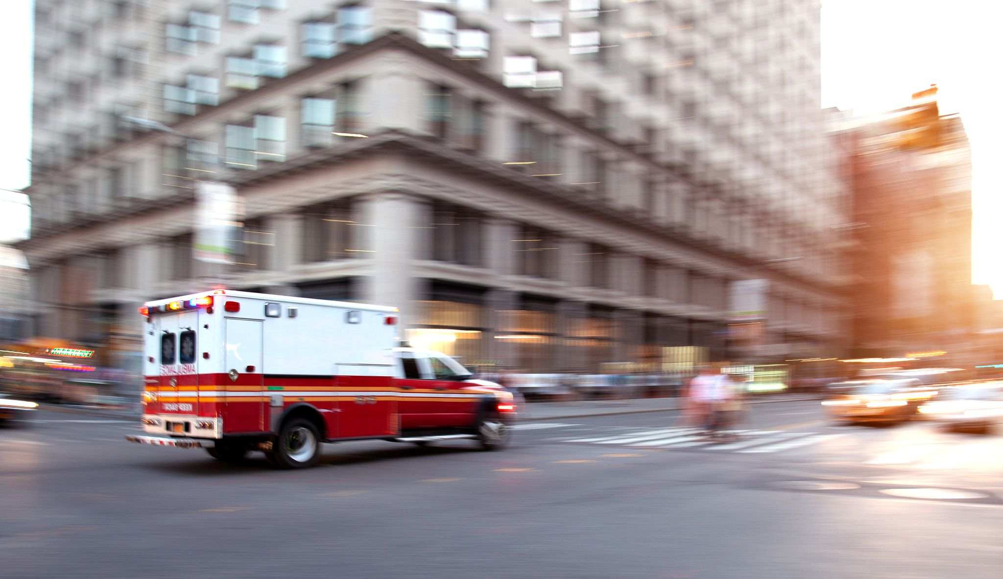 An ambulance responding to an emergency | Photo: Getty Images