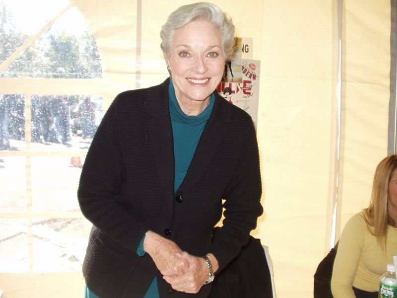 Lee Meriwether at New Jersey's Chiller Theatre convention. | Source: Wikimedia Commons