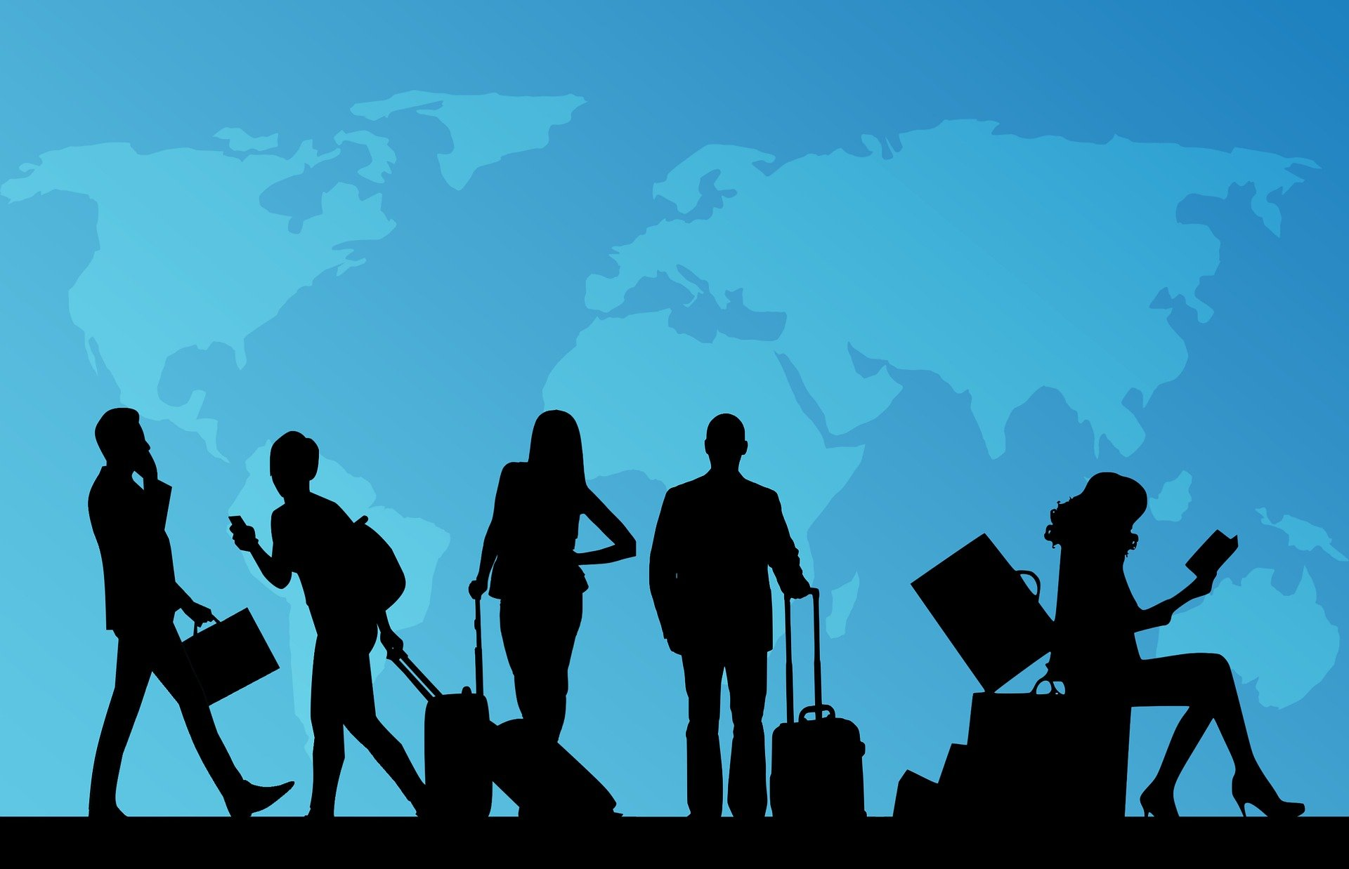People travelling through an airport. | Source: Pixabay.