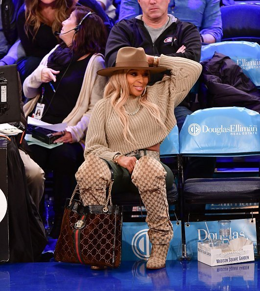 Mary J. Blige attends the Philadelphia 76ers v New York Knicks game at Madison Square Garden on November 29, 2019 | Photo: Getty Images