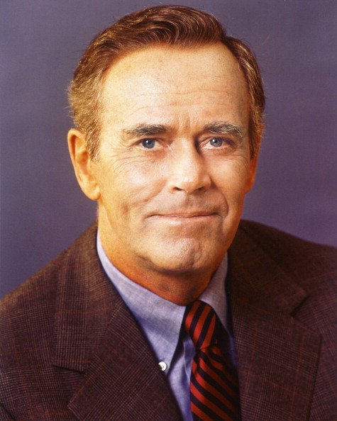 Henry Fonda in a studio portrait in 1960. | Photo: Getty Images