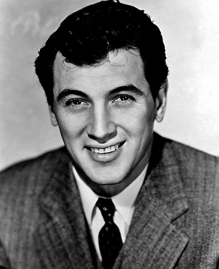 Publicity photo of Rock Hudson circa 1955 | Source: Wikimedia Commons