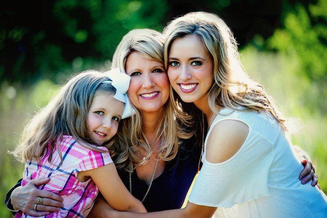 Jennifer Cordts with her two daughters | Photo: Courtesy of Jennifer Cordts