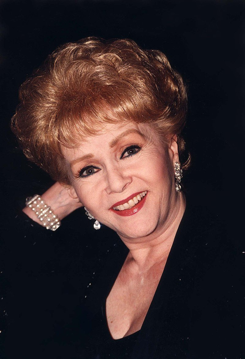 Debbie Reynolds in 1998 | Photo: Wikipedia/Laurel Maryland