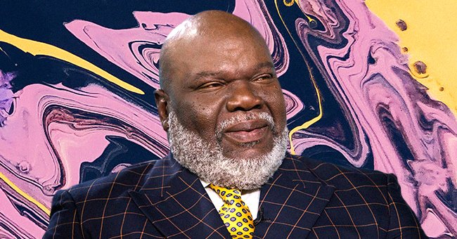 TD Jakes' Wife Serita Shows Her Natural Gray Hair as She Stuns in a Blue Dress