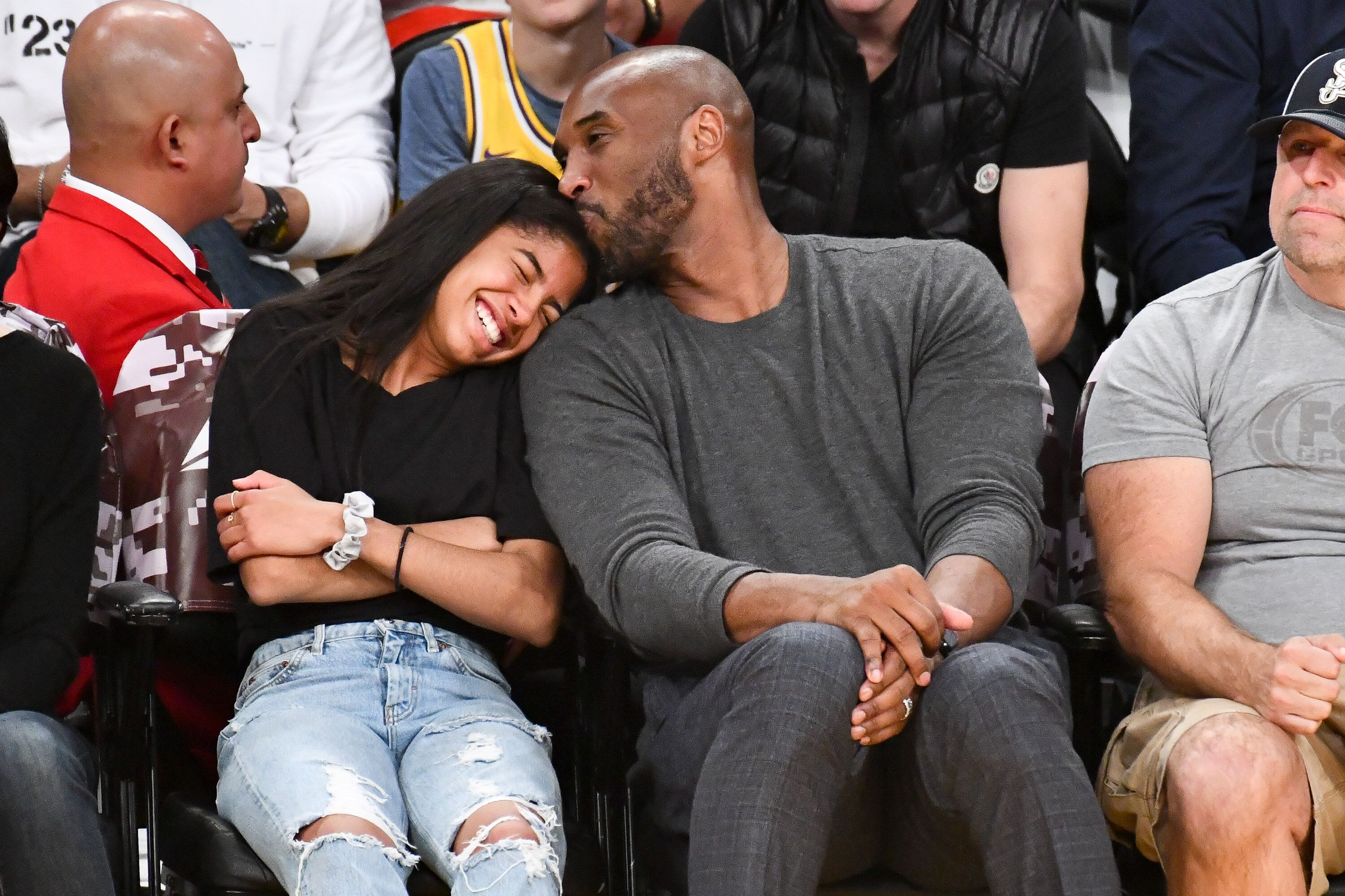 Kobe Bryant and his daughter Gianna Bryant at a basketball game between th Lakers and the Atlanta Hawks in November 2019/ Source: Getty Images