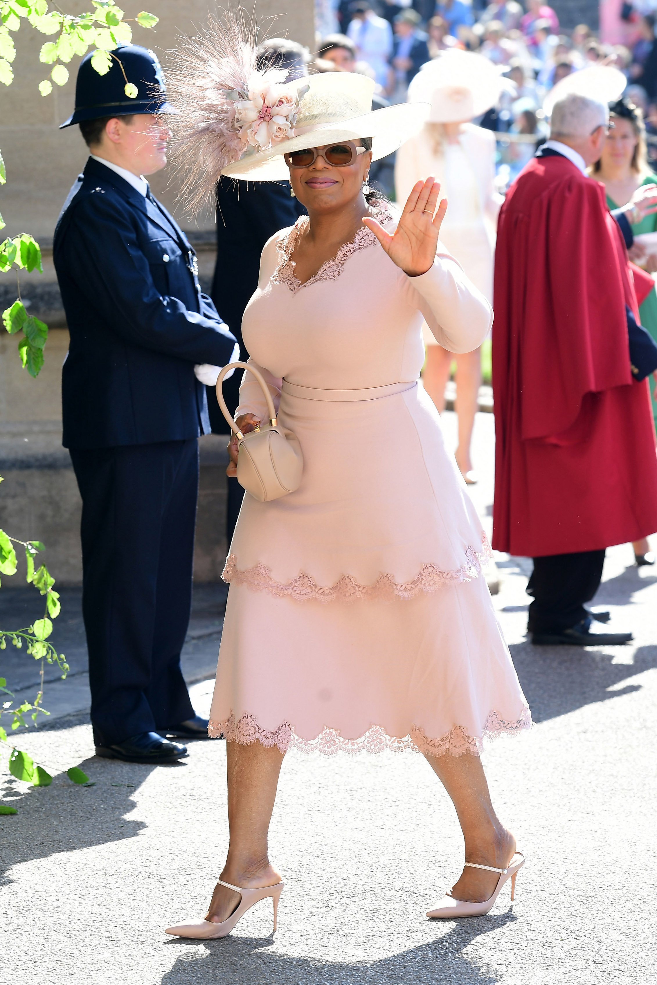 Oprah Winfrey arrives at St George's Chapel at Windsor Castle before the wedding of Prince Harry to Meghan Markle on May 19, 2018| Photo: Getty Images