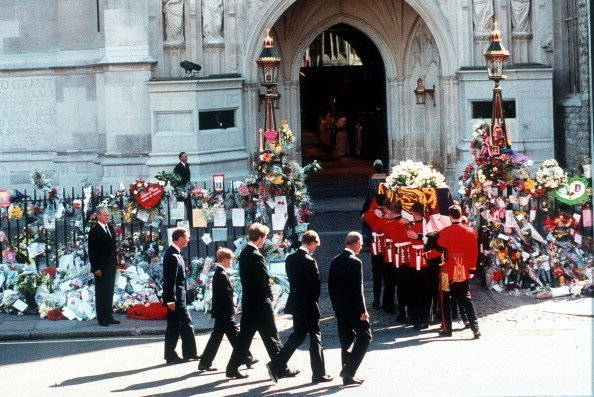 Earl Spencer, Prince William, Prince Harry, Prince Charles and the Duke of Edinburgh follow the coffin to the funeral cortege of Diana, Princess of Wales as it arrives at Westminster Abbey on September 6, 1997, in London, England. | Source: Getty Images.
