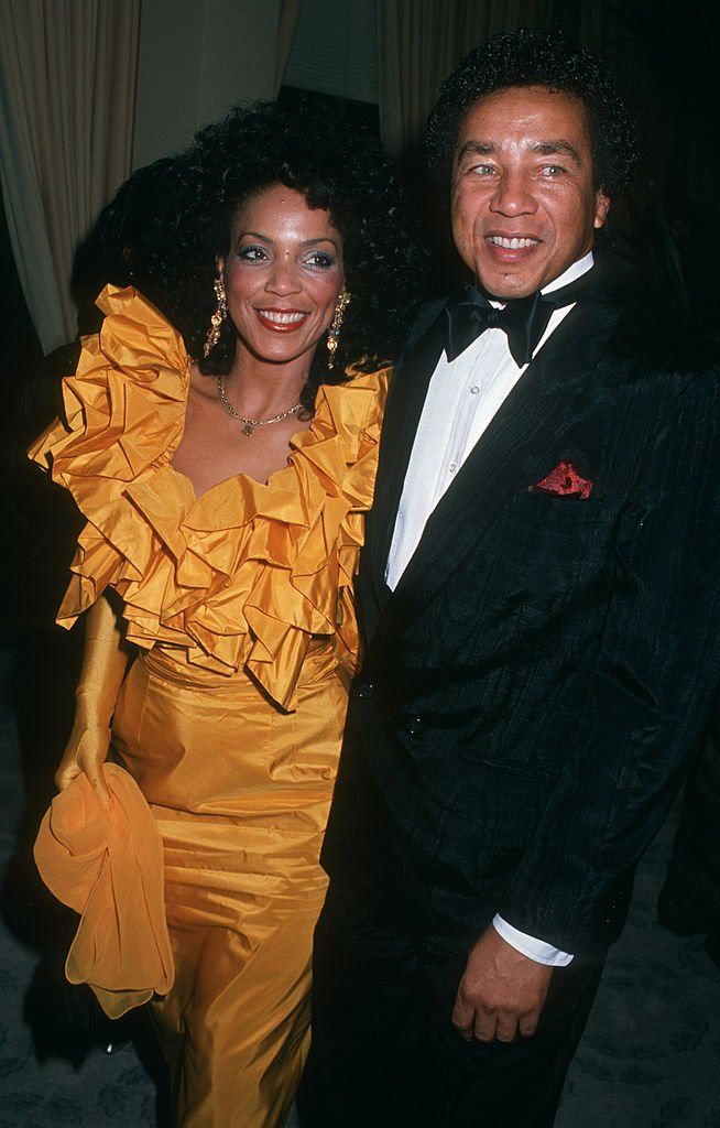 Smokey Robinson and his wife Claudette Rogers at the Beverly Hilton Hotel in California, 1988 | Photo: Getty Images