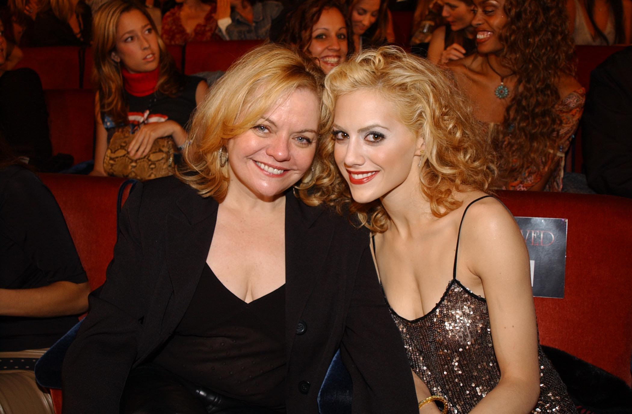 Sharon Murphy and Brittany Murphy during 2002 VH1 Vogue Fashion Awards in New York   Photo: Getty Images