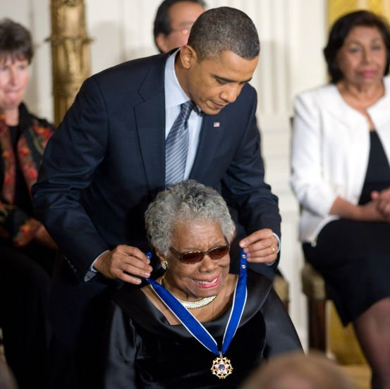 US President Barack Obama presenting Angelou with the Presidential Medal of Freedom, 2011. | Source: Wikimedia Commons Images
