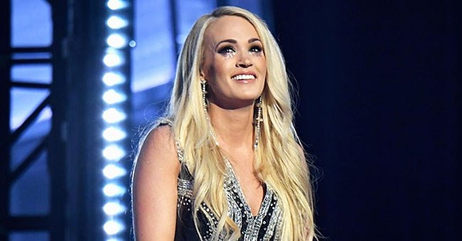 Carrie Underwood Is a Teenage Beauty in This Throwback Promo Photo from Her '90s Christmas Special
