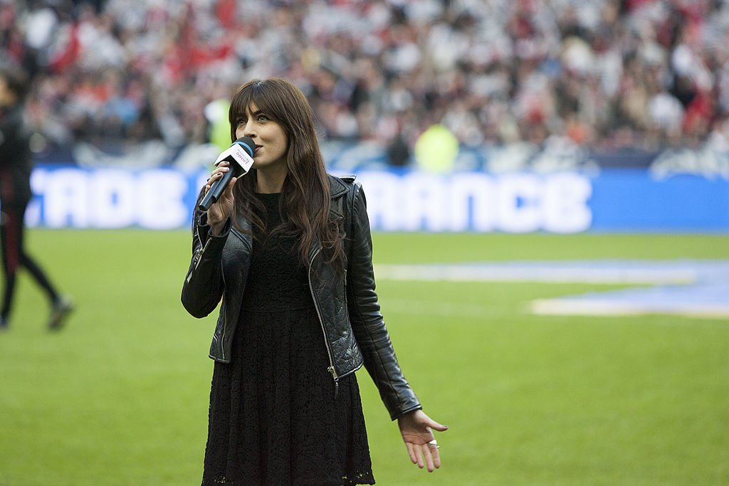 La chanteuse Nolwenn Leroy pour la finale de la Coupe de France. l Source : Getty Images