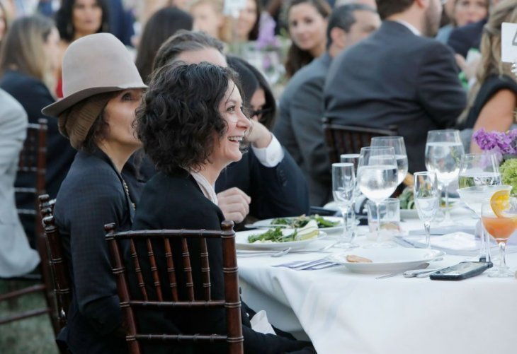 Sara Gilbert and Linda Perry at the 17th Annual Chrysalis Butterfly ball. Image credit: Getty/Global Images Ukraine