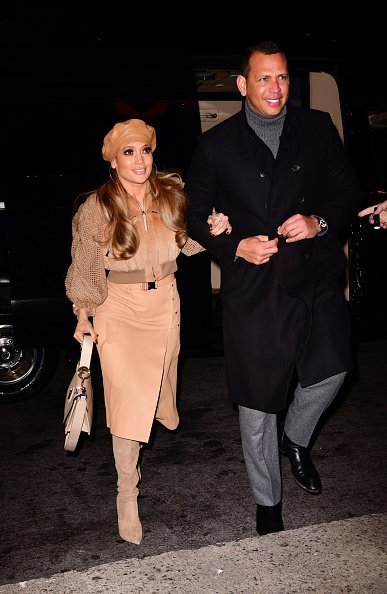 Jennifer Lopez and Alex Rodriguez arriving at AMC Bay Plaza Cinema  in New York City. | Photo: Getty images