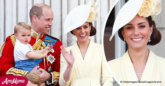 Kate Middleton lució una 'nueva' cruz de diamante durante el Trooping the Colour