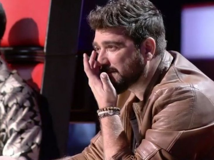 Antonio Orozco llorando / Imagen tomada de: YouTube.com / La Voz Kids España