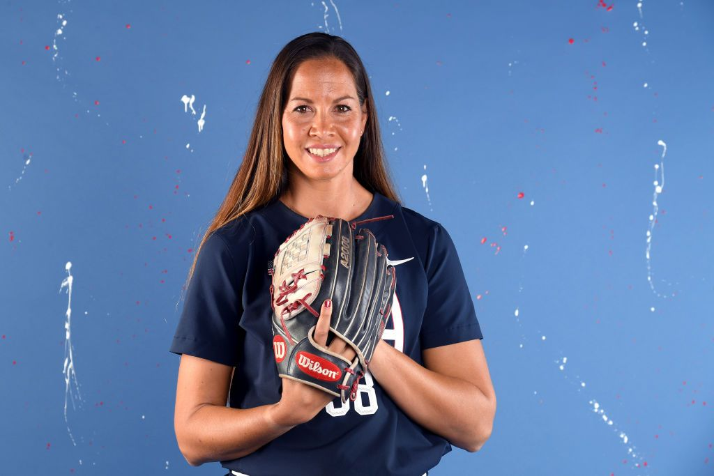 Cat Osterman poses during the Team USA Tokyo 2020 Olympic shoot on November 22, 2019. | Photo: Getty Images