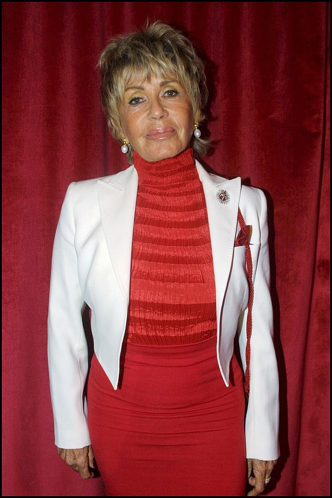 Mrs Sean Connery, Micheline, Representing Her Husband Who Just Became An Entry In The Larousse Dictionary 2002 Edition On March 9Th, 2001, in France | Photo: Getty Images