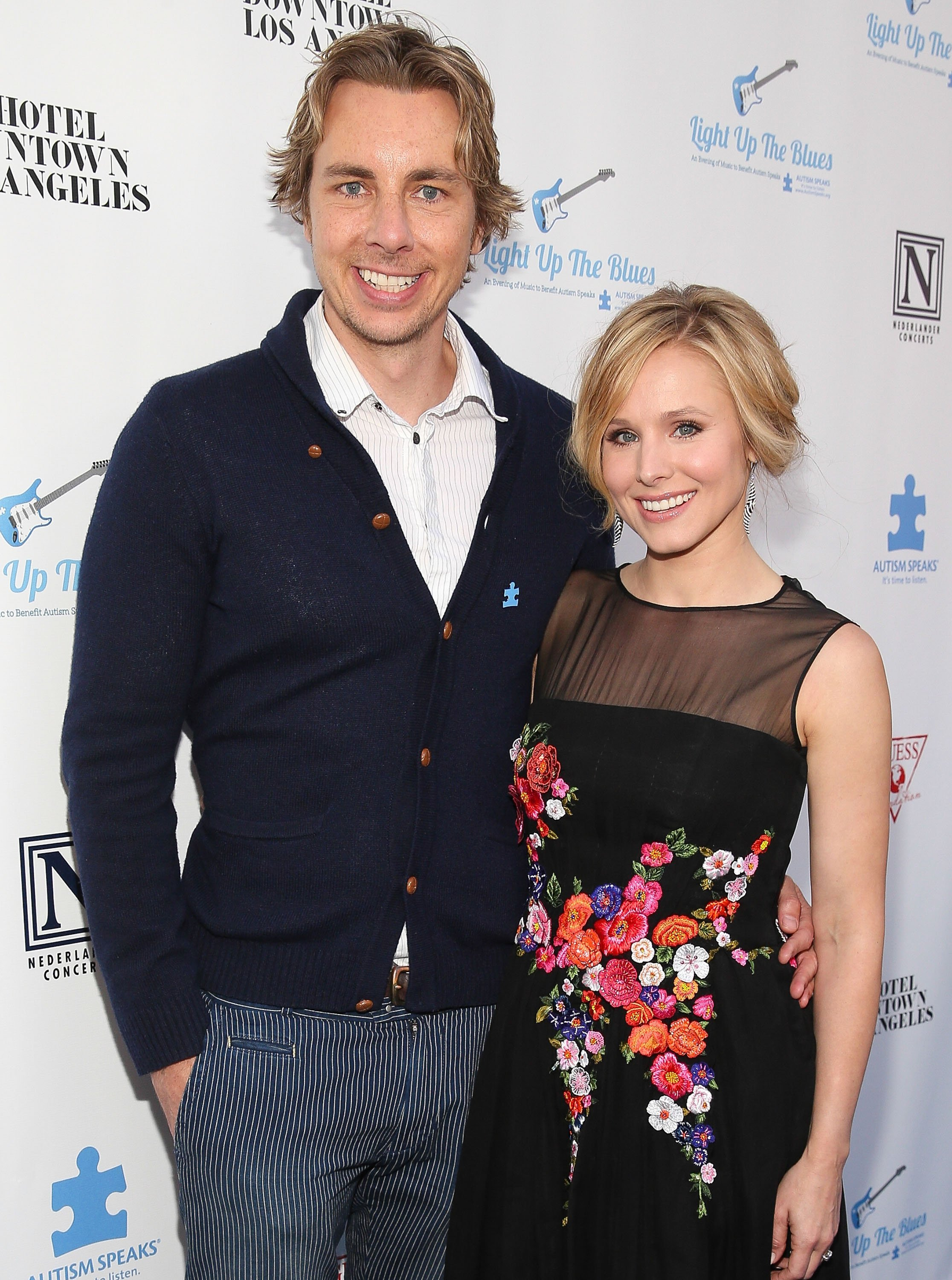 Dax Shepard (L) and actress Kristen Bell attend the 2nd Light Up The Blues Concert - An Evening Of Music To Benefit Autism Speaks at The Theatre At Ace Hotel on April 5, 2014, in Los Angeles, California. | Source: Getty Images.
