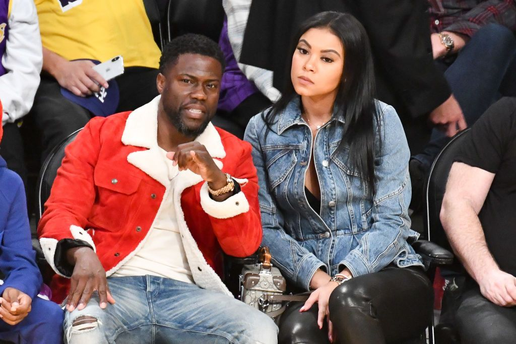 Eniko Parrish and Kevin Hart at a basketball game at Staples Center on December 25, 2019 in Los Angeles.   Photo: Getty Images