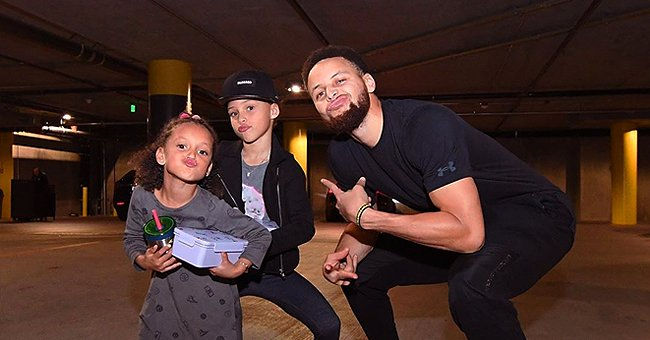 Steph Curry Strikes Pose With His 2 Daughters in Recent Photo & the Girls Look Just Like Dad