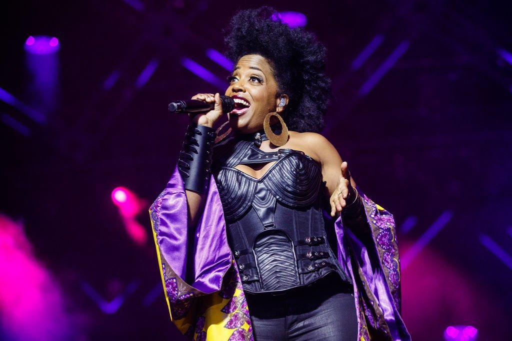 Rhonda Ross performs at the 2017 Essence Festival at the Mercedes-Benz Superdome | Photo: Getty Images