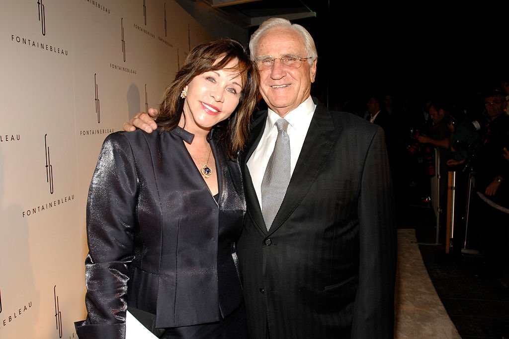Mary Anne Stephens and Don Shula attend FONTAINEBLEAU MIAMI BEACH GRAND OPENING (Red Carpet) at Fontainebleau Miami Beach on November 14, 2008 | Photo: GettyImages